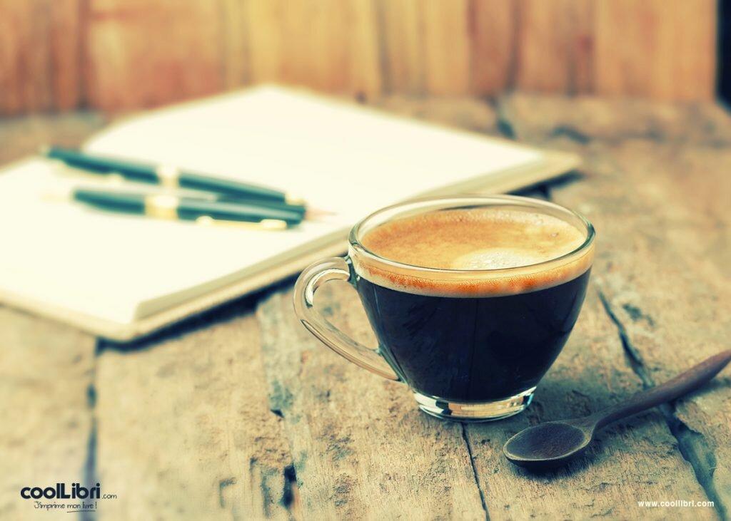 Créer mon livre dans un café